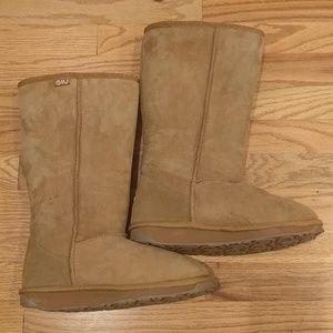 Like new Emu tall sheepskin boots